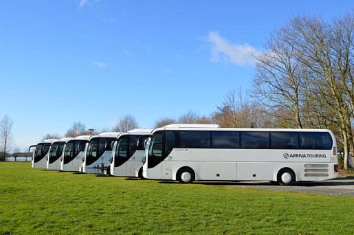 Touringcars op rij bij Arriva Touring