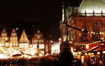 Kerstmarkt bij nacht