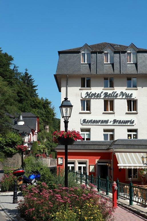 Voorkant Hotel Belle-Vue