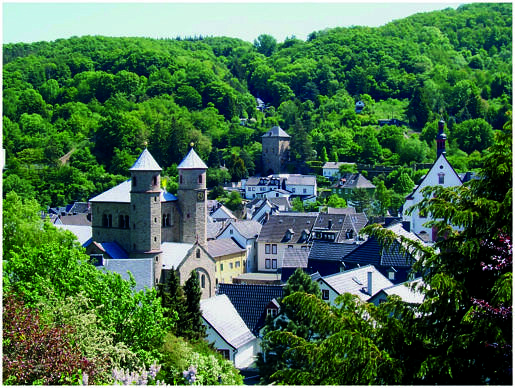 Eifel dorpje bovenaanzicht
